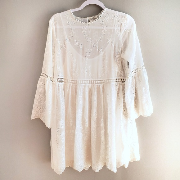 ea38226cf6 Zara white eyelet dress with Bell sleeves A23. M_5cd2b58f26219fbccfc04c04